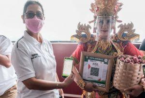 Barcode dan aplikasi untuk transaksi belanja di Bali.