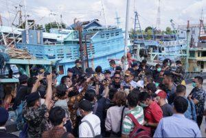 Mentri Edhy saat penangkapan kapan Nelayan asing di Natuna beberapa bulan lalu